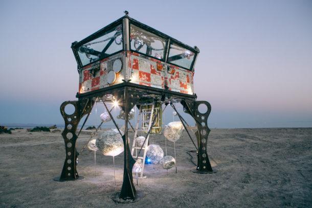 La surreale Bombay Beach Biennale nel documentario di Susanna Della Sala