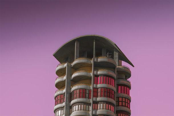Le costruzioni aliene immortalate da Al Mefer