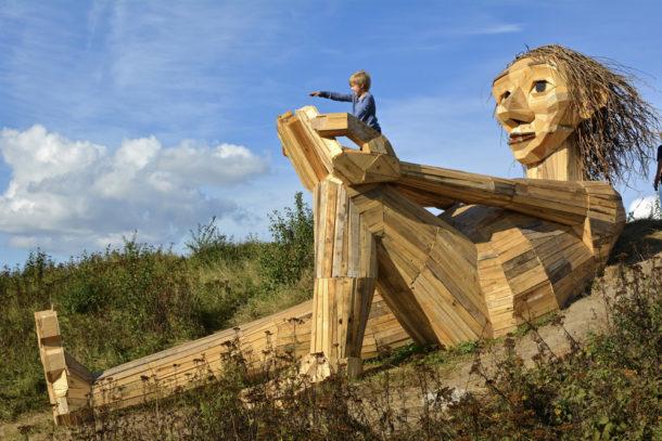 """I sei giganti dimenticati"" nella foresta di Copenaghen"