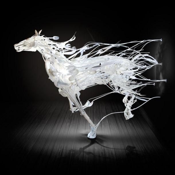 Sayaka Ganz: l'arte di rivalorizzare la plastica scartata