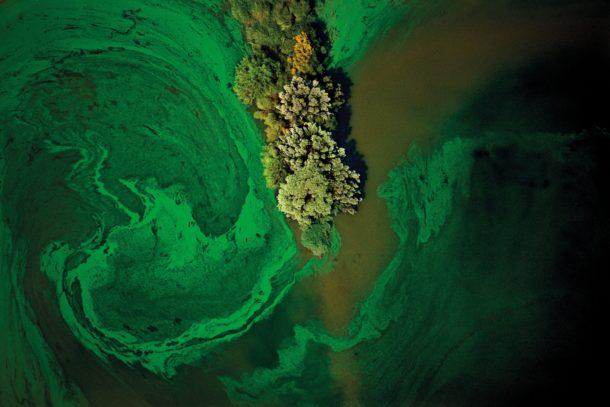 Industrial Scars: i colori dell'inquinamento ambientale